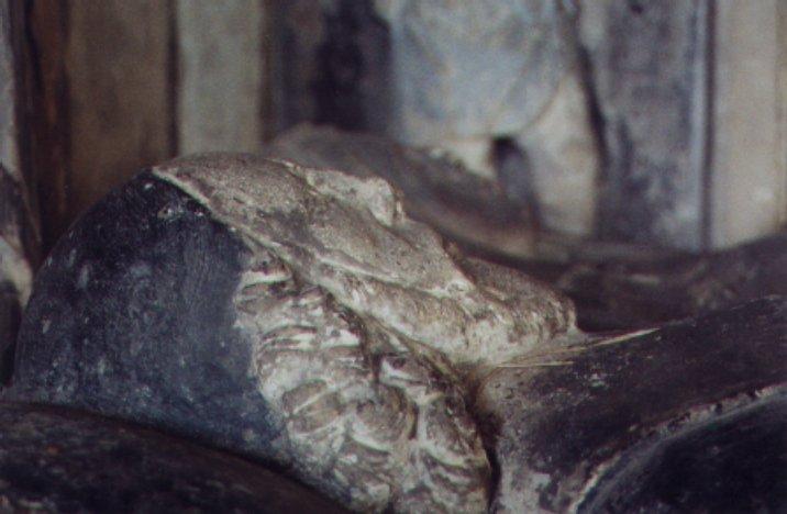 Tomb figures close up